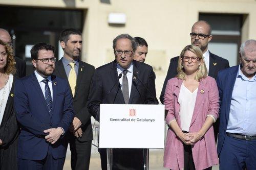 Declaración institucional del presidente de la Generalitat, Quim Torra, en el exterior del Ayuntamiento de Sant Julià de Ramis (Girona)
