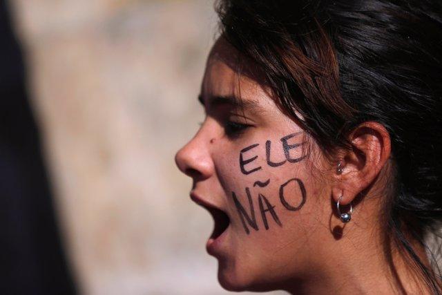 Manifestación contra el candidato brasileño Jair Bolsonaro