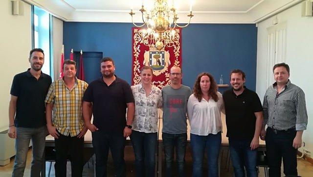 Reunión entre la concejala de Carabanchel, sindicatos y trabajadores del F.Ochoa