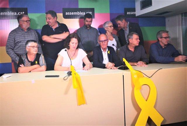 Miembros de la ANC encabezados por la ANC Elisenda Paluzie