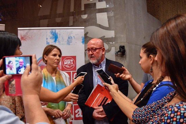 Luis Miguel López Reillo con Isabel Araque
