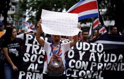 Costa Rica continúa paralizada casi cuatro semanas después