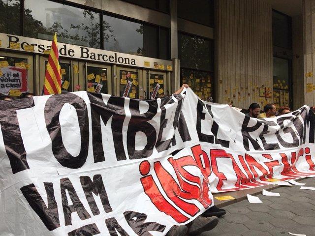 CDR protestan ante la Bolsa de Barcelona