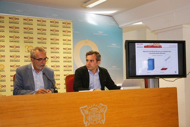Juan Manuel Flores y Felipe Castro, durante la rueda de prensa