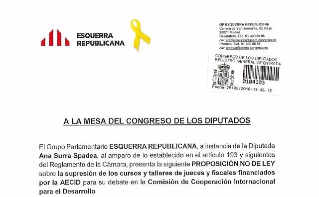 Iniciativa de ERC con el lazo amarillo