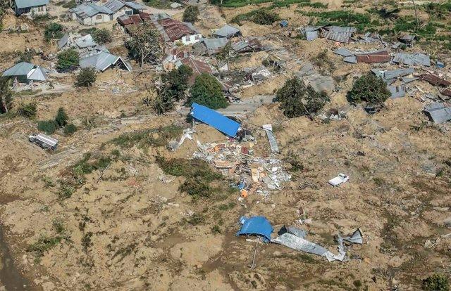 Vista aérea de Palu, destruida por el tsunami