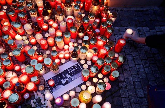 Homenaje a Jan Kuciak, periodista asesinado en Eslovaquia