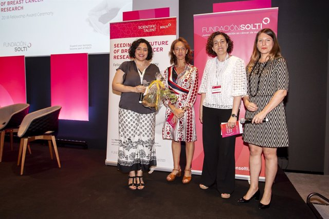 SOLTI entrega su beca de investigación en cáncer de mama