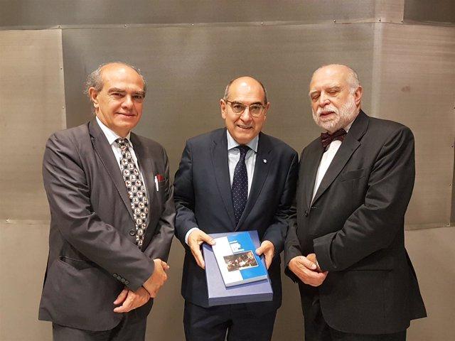 Darpon y miembro de la Universidad argentina 'Isalud'