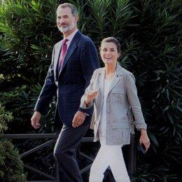 Los Reyes Felipe y Letizia cambio posados