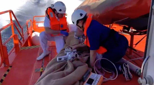 Salvamento Marítimo evacua a un pasajero que sufrió un infarto en un crucero