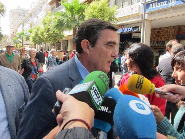 Vicente Zarza.