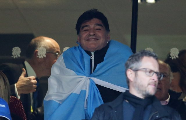 Diego Armando Maradona apoya a la selección argentina