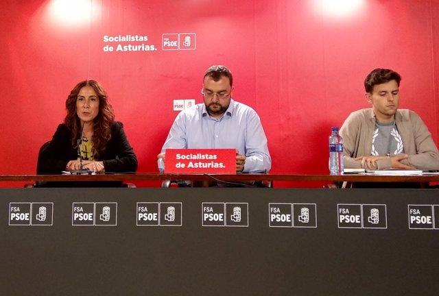 Ejecutiva de la FSA, con Adrián Barbón en el centro