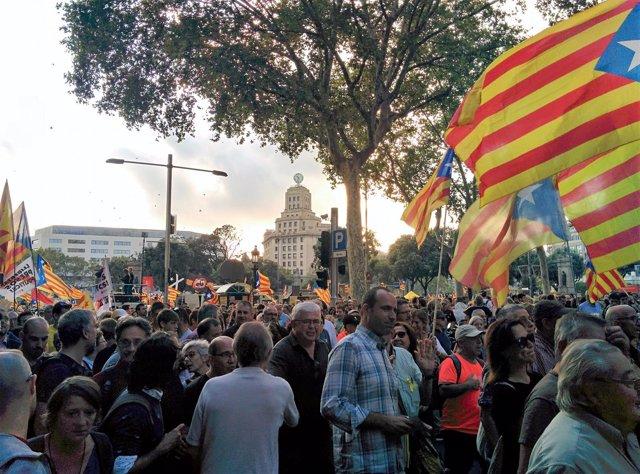 Manifestación 1 de Octubre en Barcelona convocada por la Plataforma 1 d'octubre