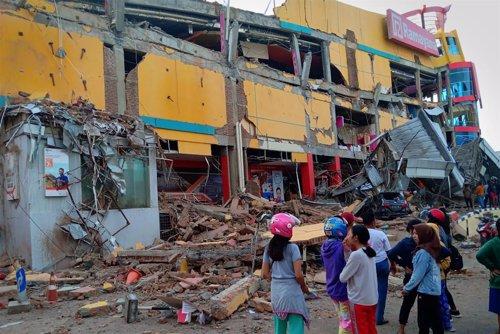 Edificio destruido por el terremoto en Palu (Indonesia)