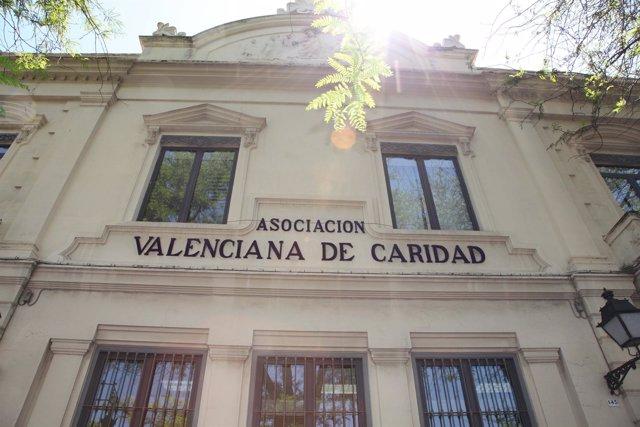 Casa caridad constata un aumento paulatino y constante for Beca de comedor valencia