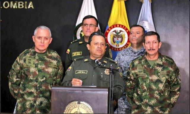 Policía colombiana en rueda de prensa