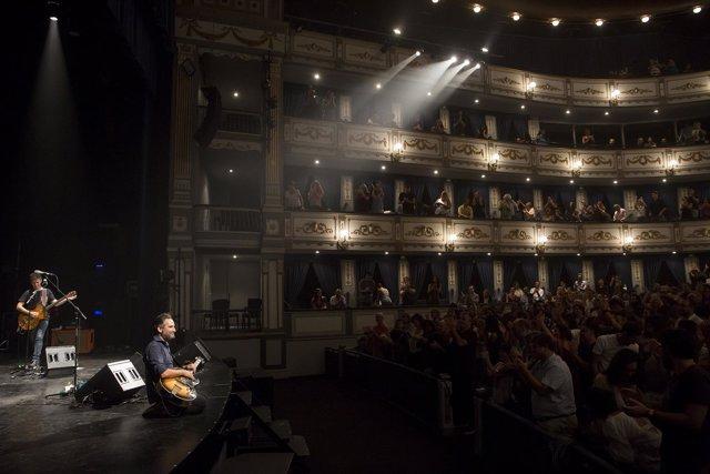 Málaga (España) 26/09/2018 Concierto del cantante Jorge Drexler en el Teatro Cer