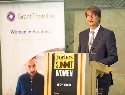 Presentación del estudio Grant Thronton, con el presidente de la firma en España