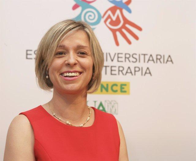 [Gruposociedad] Ndp Ana Beatriz Varas De La Fuente, Nueva Directora De La Escuel