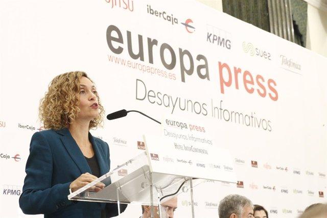 La ministra de Política Territorial, Meritxell Batet, protagoniza los Desayunos