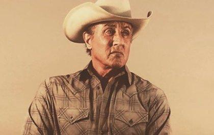 ¿Qué hace Sylvester Stallone vestido de cowboy en Rambo 5?