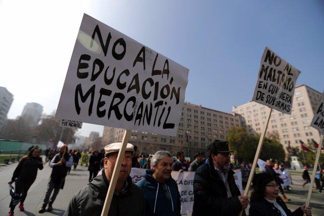 Marcha por la educaicón en Chile en agosto.