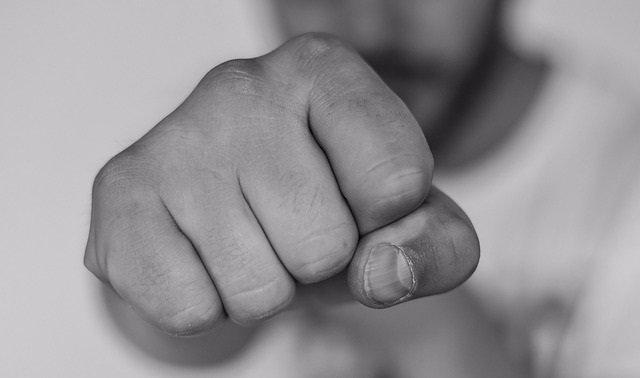 Agresividad, puño, puñetazo, pelea