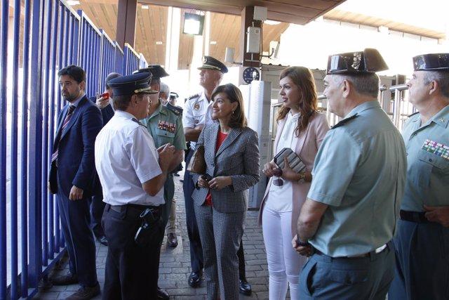 La secretaria de Estado de Seguridad, Ana Botella, en la frontera de Melilla