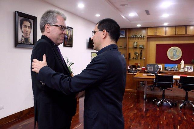 Jorge Arreaza y el coordinador residente de la ONU en Venezuela