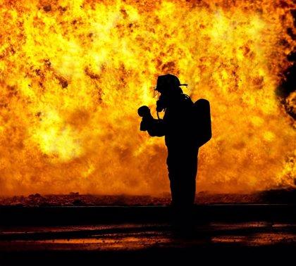 Unas 800 personas queman vivo a un hombre por robar en el interior de un vehículo en Perú