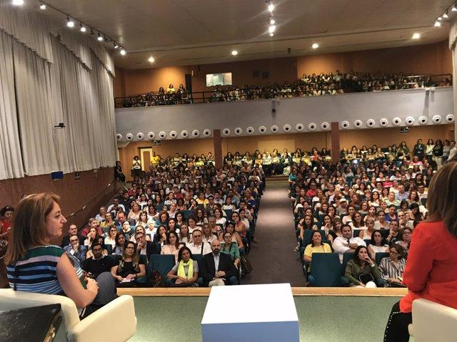 La conocida psicóloga Rocío Ramos-Paul inaugura la Escuela