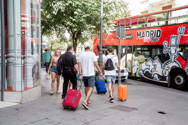 Fotos de recurso de turistas en Madrid