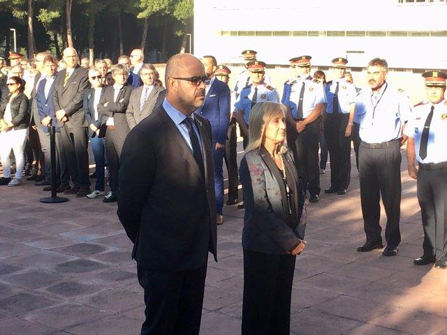 El conseller de Interior, Miquel Buch, y la directora del ISPC, Montserrat Royes