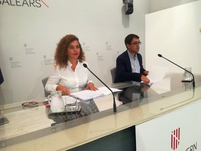 La portavoz del Govern, Pilar Costa, y el conseller de Trabajo, Iago Negueruela