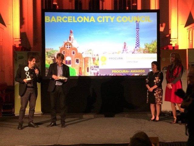 Frederic Ximeno recibe el premio de la red europea Procura+ para Barcelona