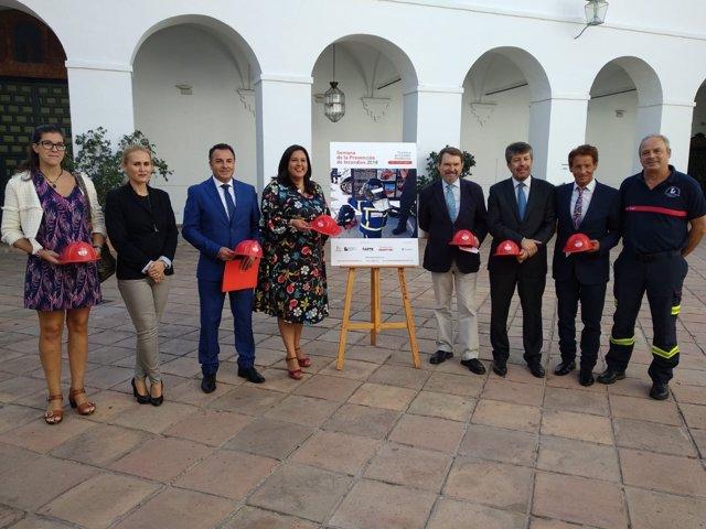 Amo (centro) presenta la Semana de la Prevención de Incencdios