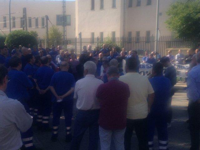 Concentración trabajadores de Metro en Canillejas