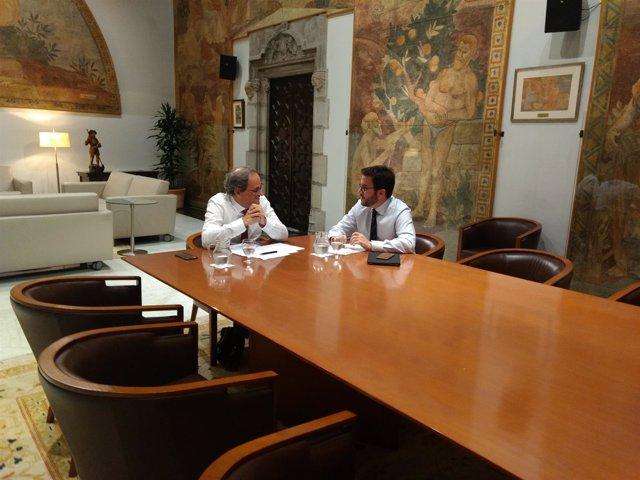 El presidente de la Generalitat, Quim Torra, y el vicepresidente, Pere Aragonès