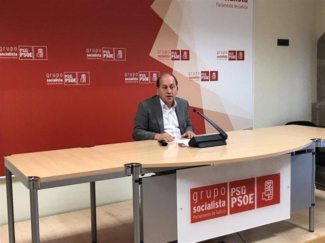 El portavoz parlamentario del PSdeG, Xoaquín Fernández Leiceaga, en la rueda