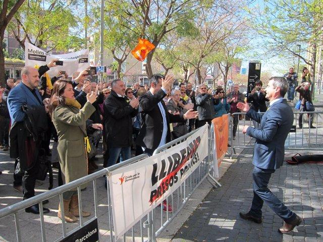 El alcalde de Molins de Rei Joan Ramon Casals sale de declarar en Fiscalía