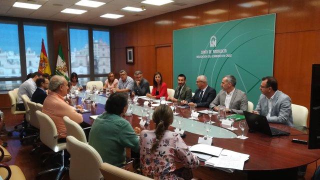 López Gil reunido con representantes de ayuntamientos de Cádiz