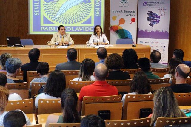 Lina Gálvez, en un seminario sobre el sector aeroespacial.