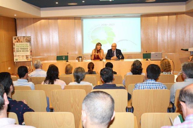 Martín y Carmona se reúnen con los directores de oficinas del SAE