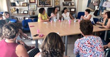 El PSOE-A destaca la importancia de la prevención precoz en el cáncer de mama y resalta la labor del tejido asociativo