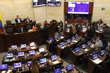 """El Senado colombiano pide al ELN que """"aclare"""" si tiene a 10 personas secuestradas"""