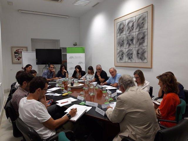 Maeztu se reúne con las organizaciones sociales a cuenta de los MENA