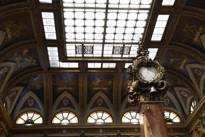El Ibex 35 pierde los 9.300 y se deja un 1,44% en la semana por Italia