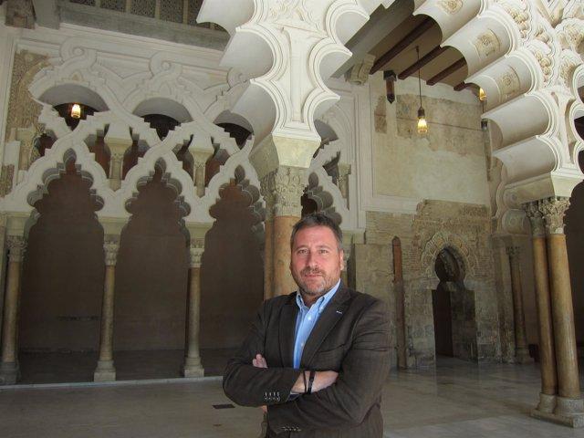 El consejero y presidente de CHA, José Luis Soro, en el Palacio de la Aljafería